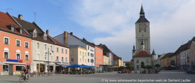 deggendorf-freizeitaktivitäten-niederbayern-ausflugsziele-stadtplatz