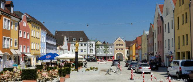 dingolfing-freizeitangebote-niederbayern-ausflugsziele-stadtplatz