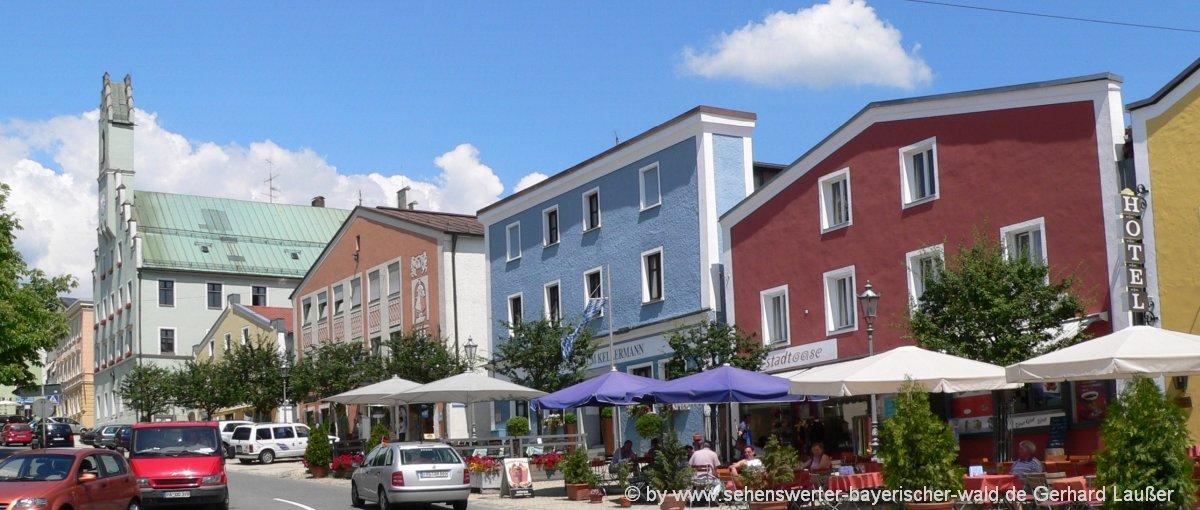 grafenau-ausflugsziele-bayerischer-wald-freizeitaktivitäten-stadtplatz