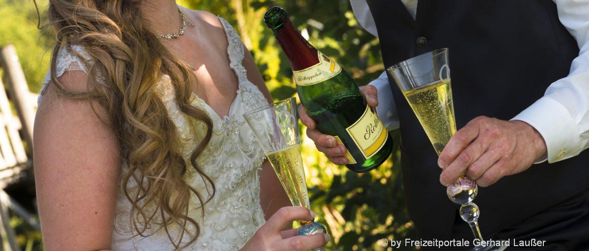 Hochzeitsfeier bei Kelheim Hochzeitsstadl oder Saal zum feiern