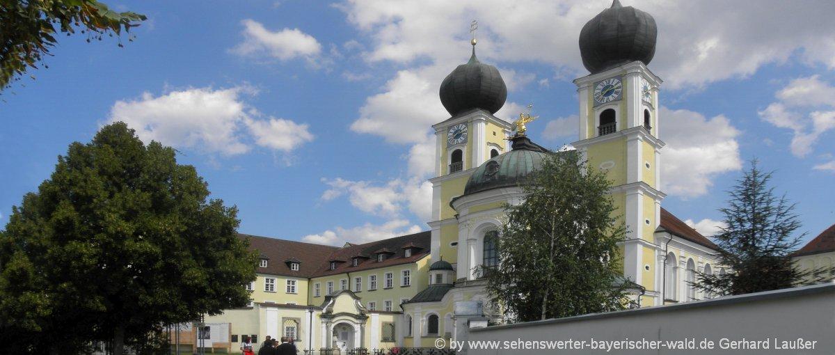 Kloster in Metten Klosterkirche & Biergarten in Niederbayern
