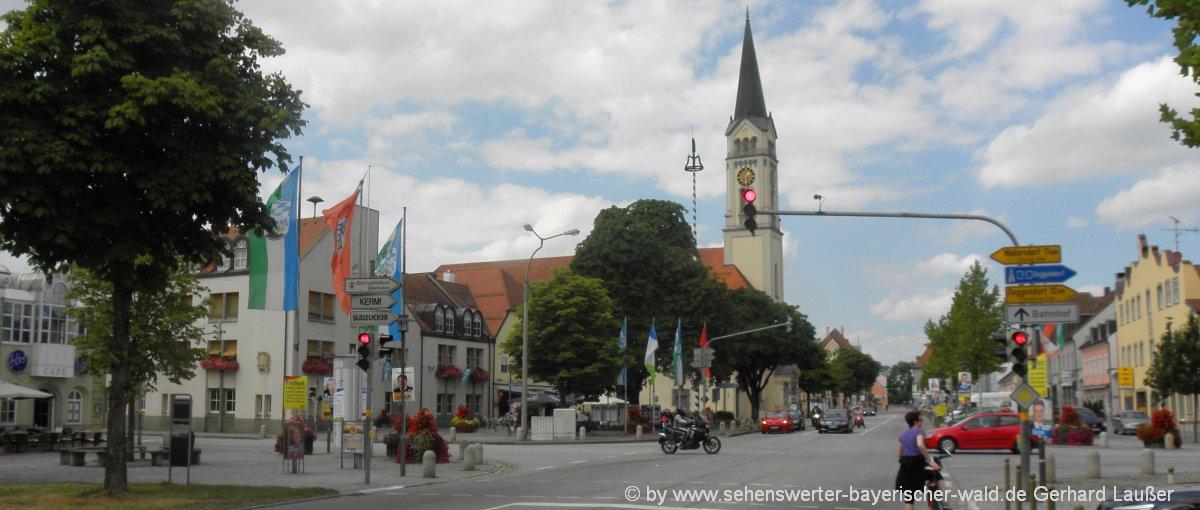plattling-stadtplatz-freizeittipps-ausflug-sehenswürdigkeiten