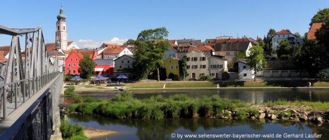roding-freizeitangebote-oberpfalz-ausflugsziele-stadt-kirche-fluss-regenbrücke