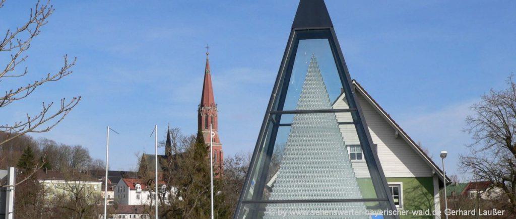zwiesel-eventlocation-landkreis-regen-glaspyramide-niederbayern